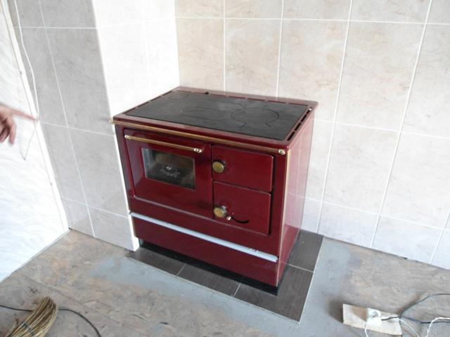 печь металлическая отопительно-варочная