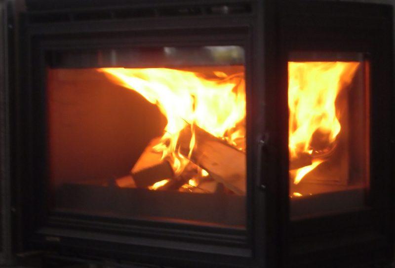горение дров в топке