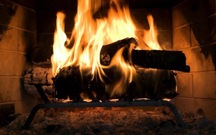 дрова горящие