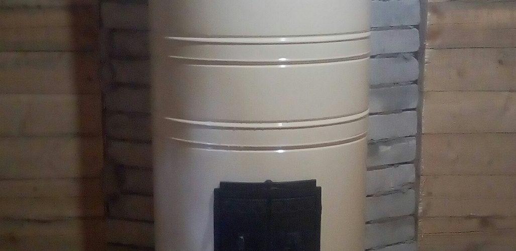 Круглая печь в металлическом футляре