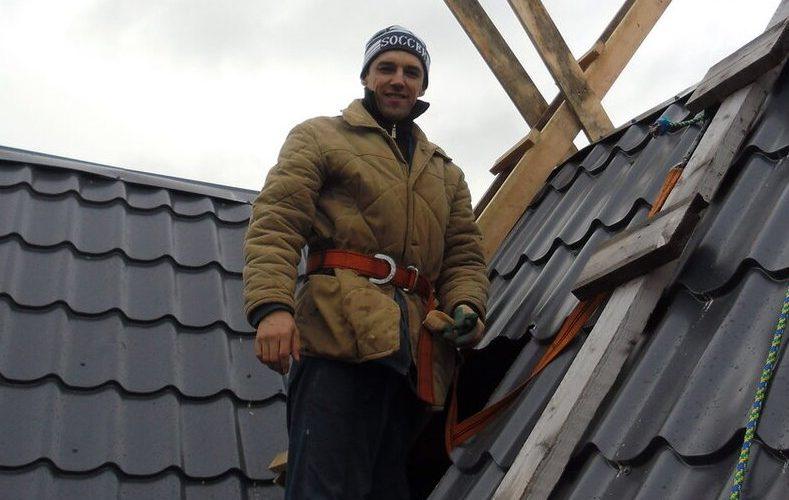 Печник на крыше.